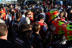 NASCAR-CUP: A fight involving the crews of Clint Bowyer and Jeff Gordon breaks out in the garage area