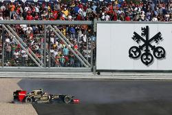 Romain Grosjean, Lotus F1 Team spin
