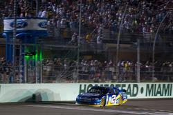 Brad Keselowski, Penske Racing Dodge takes the checkered flag to become the 2012 NASCAR Sprint Cup series champion