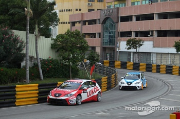 Alexey Dudukalo, SEAT Leon WTCC, Lukoil Racing Team and Fernando Monje, SEAT Leon WTCC, SUNRED Engineering