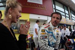 Justine Monnier, Girlfriend of Yvan Muller and Yvan Muller, Chevrolet Cruze