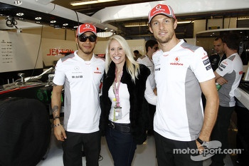 Laurie Krohn with Lewis Hamilton and Jenson Button, McLaren Mercedes