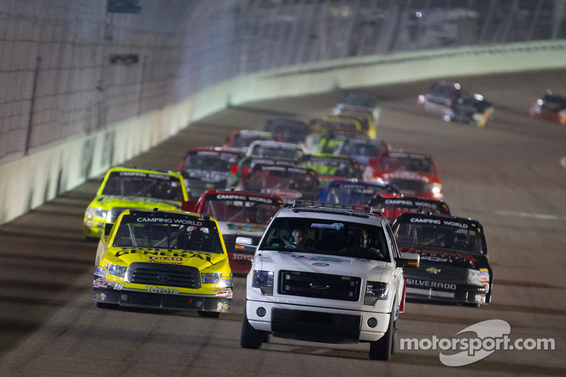 Pace truck leads the field under yellow