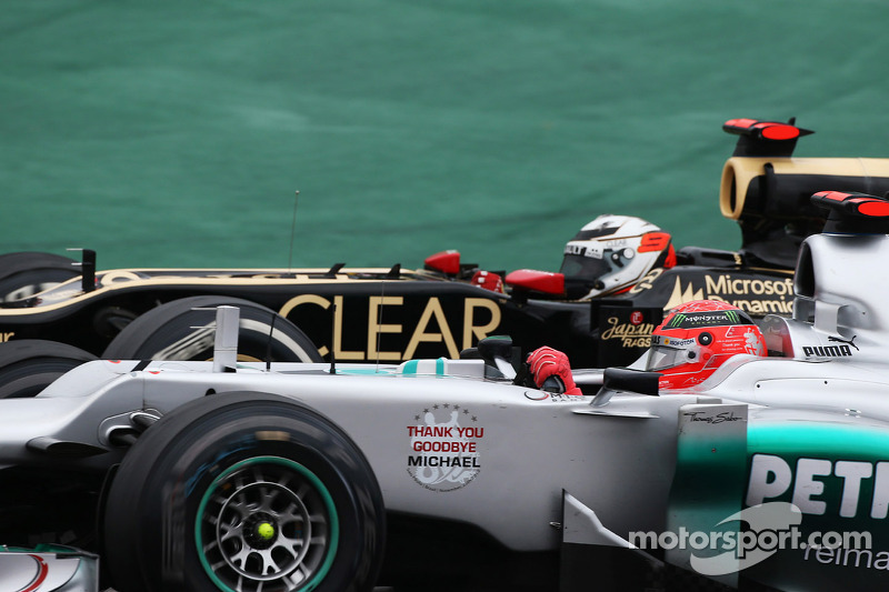 Michael Schumacher im Duell mit Kimi Räikkönen