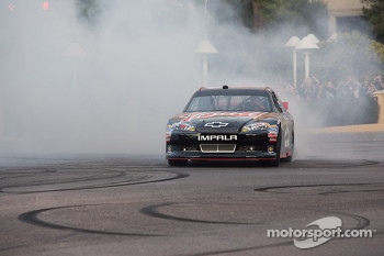 Kevin Harvick does a burnout