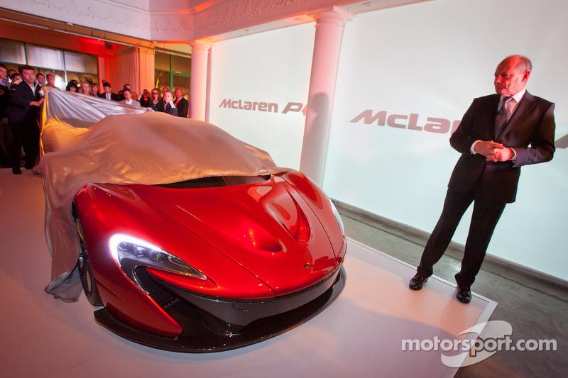 Ron Dennis presents the McLaren P1