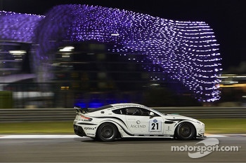 #21 Barwell Motorsport Aston Martin Vantage: Mark Lemmer, Jan Andersen, Geoff Kimber-Smith, Tom Kimber-Smith