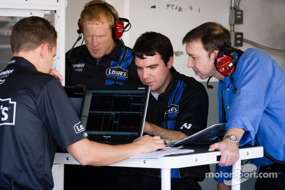 Chad Knaus and Hendrick Motorsports technicians