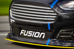 Marcos Ambrose, Richard Petty Motorsports Ford, front end detail