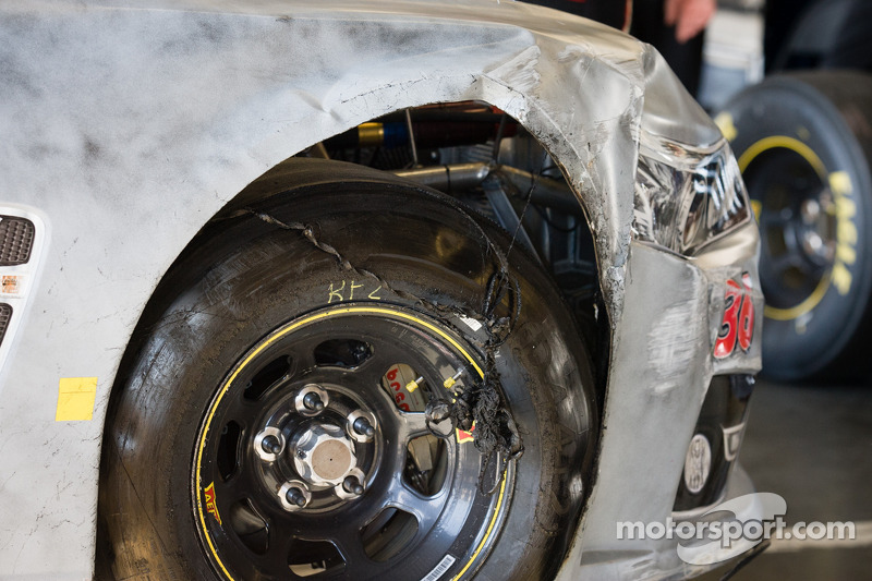 Damage on the Dave Blaney, Tommy Baldwin Racing Chevrolet