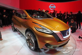 Nissan Resonance