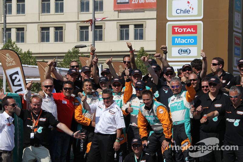 The De Rooy Iveco team celebrates