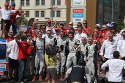 Veka Team celebrates