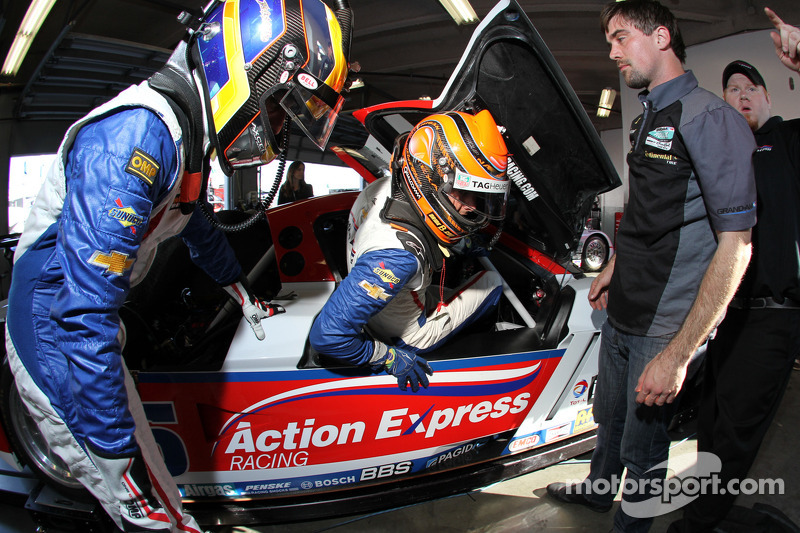 Nelson A. Piquet and Brian Frisselle practice driver changes