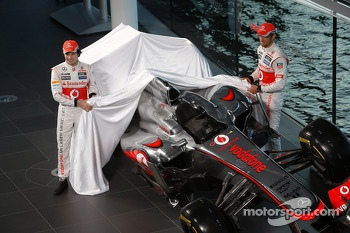 Sergio Perez, McLaren and team mate Jenson Button, McLaren unveil the new McLaren MP4-32