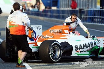 James Rossiter, Sahara Force India F1 VJM06 Simulator Driver in the pits