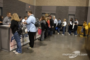 Race fans line up for autographs