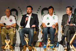 Swan Racing Toyota Town of Newton press conference: Michael Waltrip, Swan Racing Toyota, Brian France