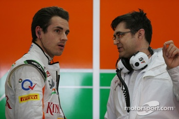 Adrian Sutil, Sahara Force India F1 with Bradley Joyce, Sahara Force India F1 Race Engineer