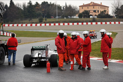 Marshals with the Mercedes AMG F1 W04 of Lewis Hamilton, Mercedes AMG F1