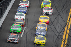 Denny Hamlin, Joe Gibbs Racing Toyota and Matt Kenseth, Joe Gibbs Racing Toyota battle for the lead