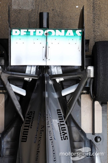 Mercedes AMG F1 W04 rear wing and rear suspension
