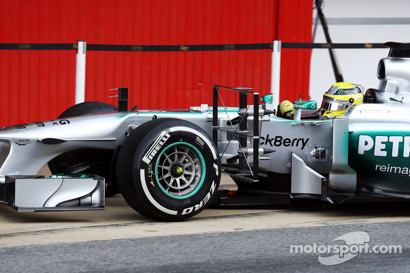 Nico Rosberg, Mercedes AMG F1 W04 running sensor equipment
