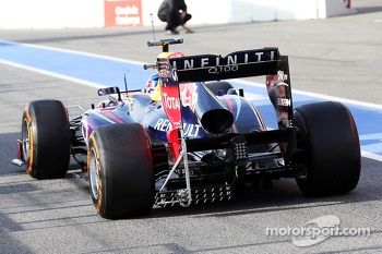 Sebastian Vettel, Red Bull Racing RB9 running sensor equipment on the rear diffuser