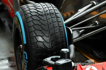 Wet Pirelli tyre on the McLaren MP4-28