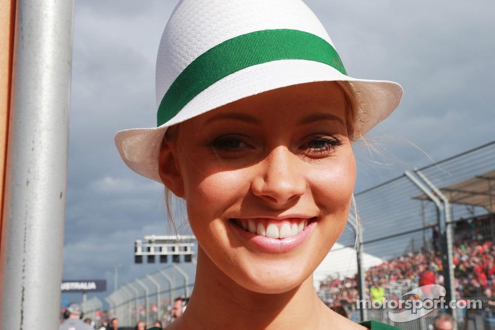 http://cdn-0.motorsport.com/static/img/mgl/1500000/1520000/1525000/1525400/1525470/s1_1.jpg