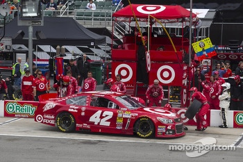 Juan Pablo Montoya, Earnhardt Ganassi Racing Chevrolet pitstop