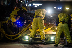 Pit stop for #11 JDX Racing Porsche 911 GT3 Cup: Mike Hedlund, Jan Heylen, Jon Fogarty