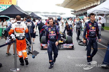 Sebastian Vettel, Red Bull Racing RB9 heads onto the grid