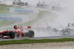 Fernando Alonso, Ferrari F138 with a damaged front wing at the start of the race