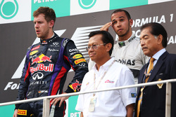 Podium: race winner Sebastian Vettel, Red Bull Racing, third place Lewis Hamilton, Mercedes AMG F1