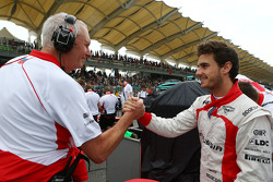 John Booth, Marussia F1 Team Team Principal with Jules Bianchi, Marussia F1 Team on the grid
