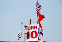 Turn 10 ambiance