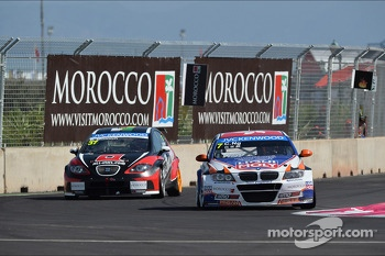 Ren Mnnich, SEAT Leon WTCC, Munnich Motorsport and Charles Ng, BMW E90 320 TC, Liqui Moly Team Engstler 
