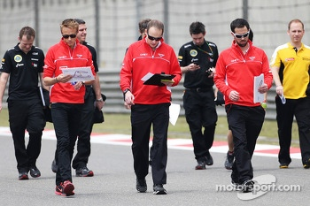 Jules Bianchi, Marussia F1 Team walks the circuit