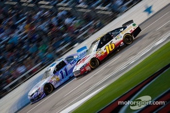 Brian Vickers, Joe Gibbs Racing Toyota and Greg Biffle, Roush Fenway Racing Ford