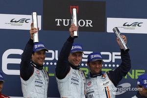 GT podium: winners Darren Turner, Stefan Mücke, Bruno Senna