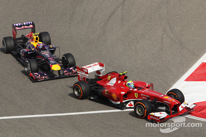 Felipe Massa, Ferrari F138 leads Mark Webber, Red Bull Racing RB9