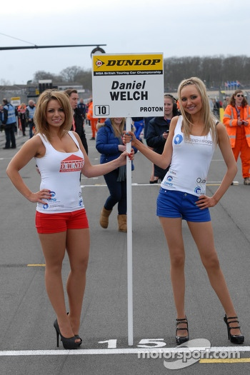 Welch Motorsport grid girls
