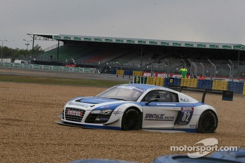 Spin for #82 Team Saintéloc Racing BR Performance Audi R8 LMS Ultra: Jean-Marc Quintois, Mathieu Jaminet