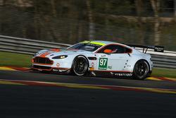 #97 Aston Martin Racing Aston Martin Vantage V8: Darren Turner, Stefan Mücke, Peter Dumbreck