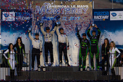 P2 class podium: winners Scott Tucker and Marino Franchitti, second place Ryan Briscoe, third place Scott Sharp and Guy Cosmo