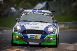 #124 Besaplast Racing Team MINI Cooper S (SP2T): Franjo Kovac, Fredrik Lestrup, Thomas Tekaat
