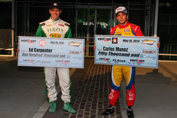 Polesitter Ed Carpenter, Ed Carpenter Racing Chevrolet and second place Carlos Munoz, Andretti Autosport Chevrolet