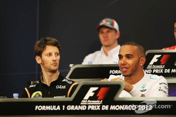 (L to R): Romain Grosjean, Lotus F1 Team with Lewis Hamilton, Mercedes AMG F1 in the FIA Press Conference