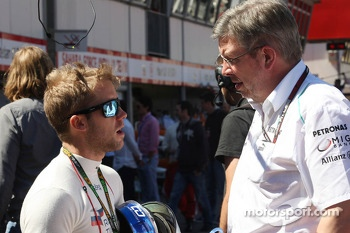 (L to R): Sam Bird, Mercedes AMG F1 Test And Reserve Driver with Ross Brawn, Mercedes AMG F1 Team Principal